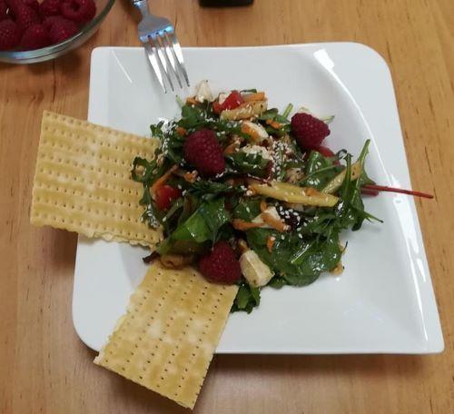 Tavaszi pikáns saláta